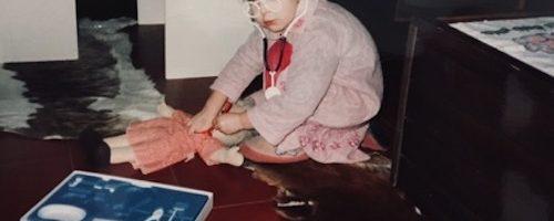 Nina »(zobo)zdravnica«, stara tri leta in pet mesecev.